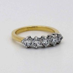 Ladies 18ct Gold Five Stone Diamond Ring, total diamond weight 1.50ct.
